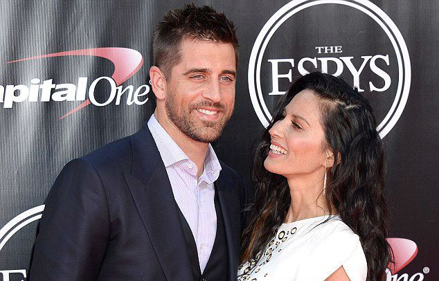 Aaron Rodgers Declines to Address Family Issues -- With his brother appearing on The Bachelorette, Aaron Rodgers' family life is under the microscope. Would he address those issues? Nope. He ducked them.