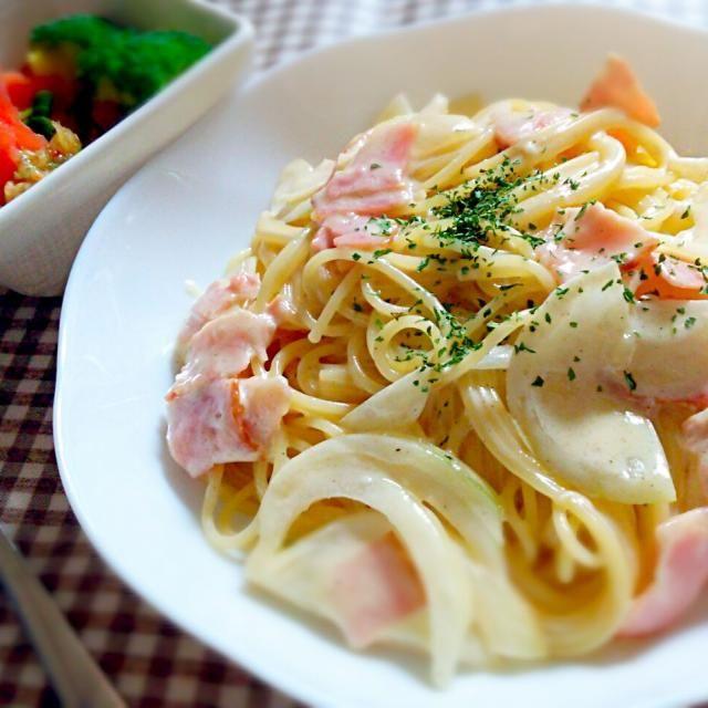 手作りカルボナーラ トマトブロッコリーワカメのサラダ - 10件のもぐもぐ - カルボナーラ by ririri25