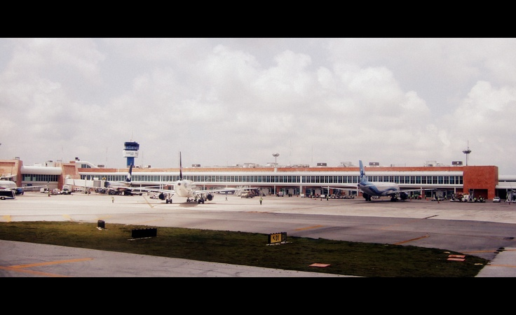 Mexico - Cancun Airport (2012)