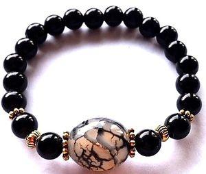 Armband jade edelsteen met zwarte acrylkralen