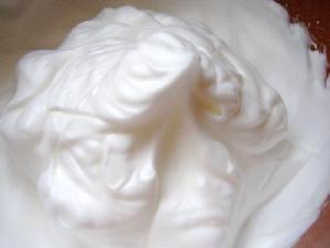 Relleno de tortas con merengue italiano y mantequilla