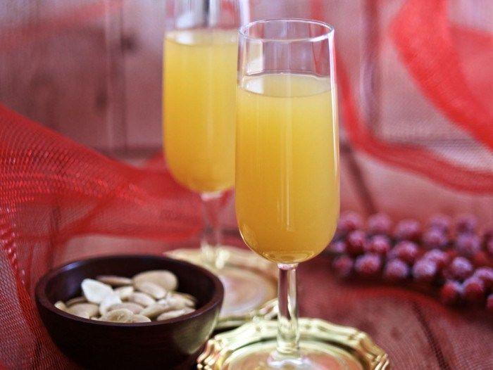 Bellini Cocktail con succo di pesca - Ricette Blogger Riunite
