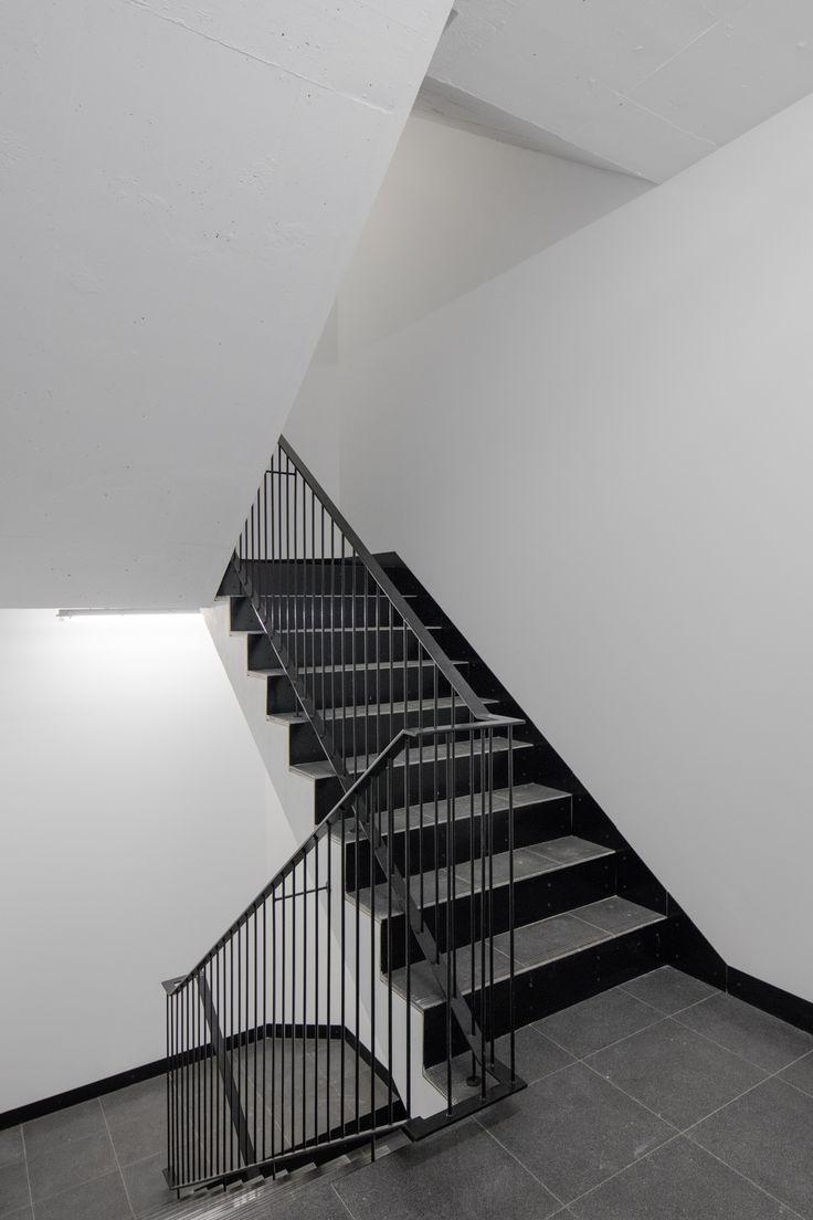 Image 3 of 48 from gallery of Casa Acreditar Porto / Atelier do cardoso arquitectos. Photograph by João Morgado
