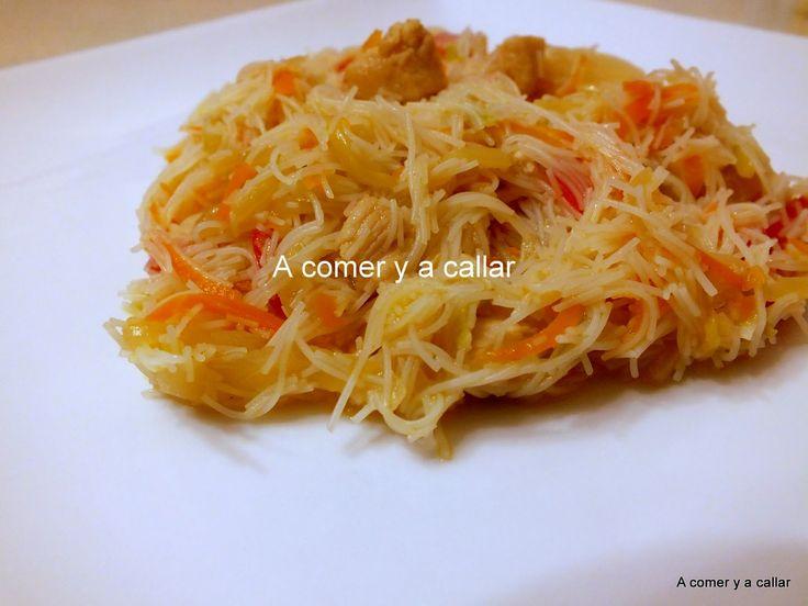 A comer y a callar: FIDEOS CHINOS DE ARROZ CON VERDURAS Y POLLO