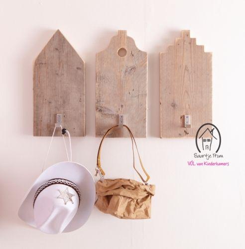 Kapstok Klokgevel? De leukste Kapstokken & Haken voor de kinderkamer bij Saartje Prum.