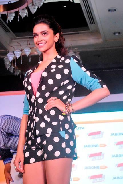 Deepika Padukone spreading the cheer with her beautiful SMILE — at Four Seasons Mumbai.