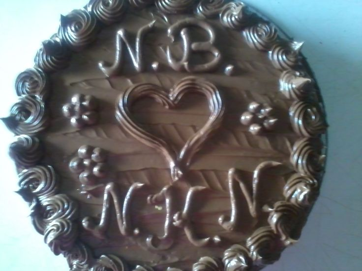 Csak úgy torta, mert sógornőmmel megkívántuk a csoki krémet :)