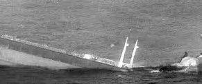 Resultado de imagen de tankers in rouge waves