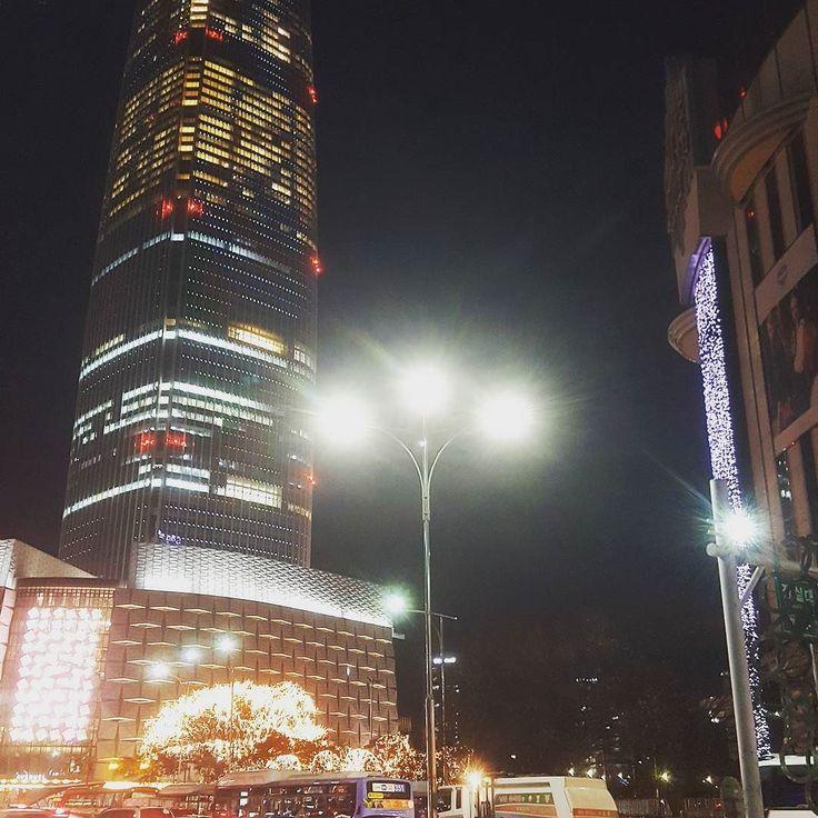 Skyscrapers at Jamal #evening #jamsil #seoul #lotteworldmall