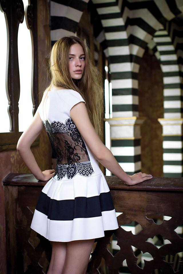 #fashion #style #dress #collezione #autunnoinverno2014/2015  #donna #abito #cerimonia #look #tendenze #rinascimento  follow me www.primadonnastyle.net