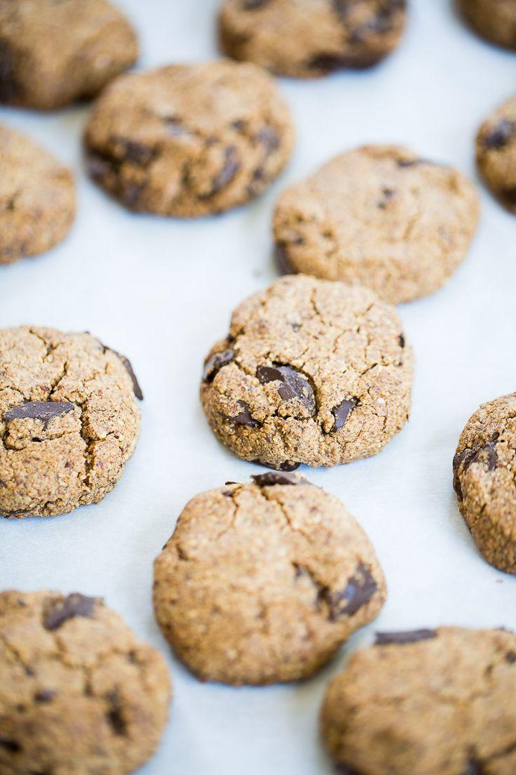 Best vegan chocolate chip cookies recipe ever. Vegan Chocolate Chip Cookie Recipe, Best Vegan Chocolate, Keto Chocolate Chips, Sin Gluten, Gluten Free, Vegan Dishes, Vegan Desserts, Granola Cookies, Best Cookies Ever