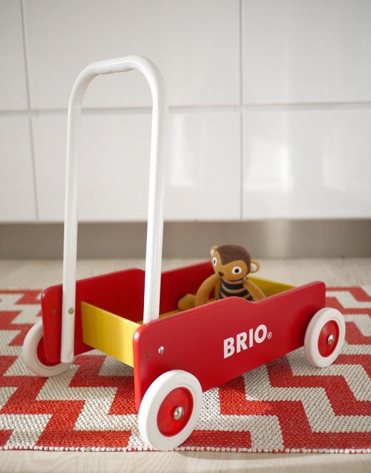 BRIO lära-gå-vagn