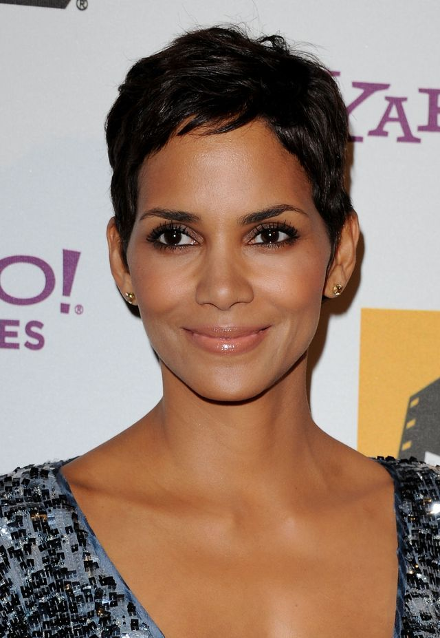 Sexy Short Hairstyles for Black Women: Halle Berry Look #1
