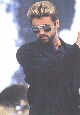 George Michael - photo postée par panayiotou - George Michael - l'album du fan-club - aufeminin