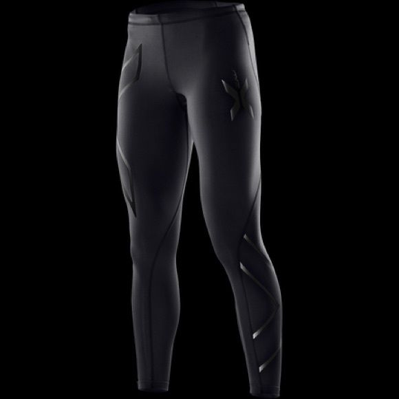 2XU Black Compression Tight NWOT The 2XU Compression Tights are a versatile and essential piece of gear for any activity or post exercise recovery. With an impressive list of features and benefits, these graduated Compression Tights are lightweight, yet supportive to the major leg muscles. Body firming and ideal for both high and low impact training, competition or recovery demands. Amazing for serious runners/athletes. These are brand NWOT, ordered online. Very tight/compression fit. Retail…