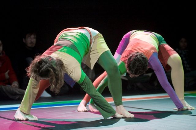 """O Teatro Cacilda Becker traz o espetáculo de dança """"Coreológicas Ludus"""" de 4 a 7 de março, com entrada Catraca Livre. A coreografia remonta o repertório dos espetáculos Coreológicas realizados nos últimos 13 anos pela companhia. São propostos novos jogos entre os elementos da linguagem da dança e o público. A cada apresentação, serão selecionadas...<br /><a class=""""more-link"""" href=""""https://catracalivre.com.br/geral/agenda/barato/caleidos-cia-de-danca-no-teatro-cacilda-becker/"""">Continue lendo…"""