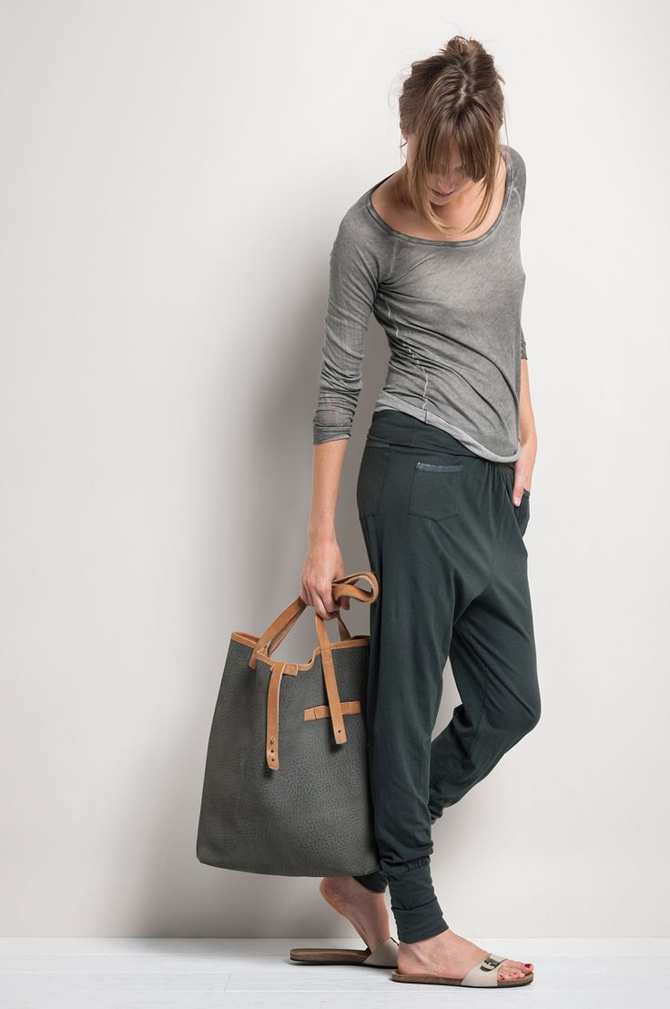 Casual look | Pale grey shirt with sandals, floppy pants and tote bag