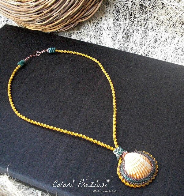 Seeshell in autumn. Bead embroidery and micro-macramè necklace.  www.coloripreziosi.blogspot.com #handmade #beadembroidery #micromacrame # seeshell #beadwork