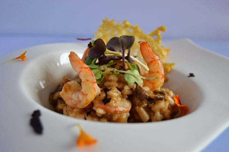 TRUFFLE-SCENTED MUSHROOM AND SHRIMP RISOTTO by Dulcegourmett