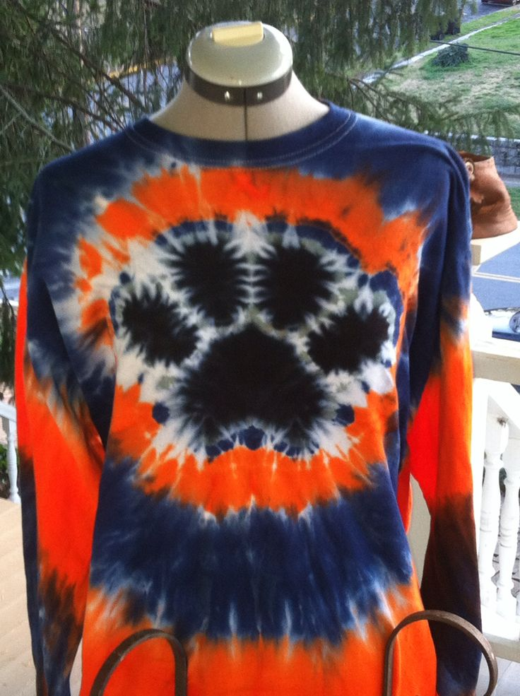 Rubber Wedding Band >> Tiedye paw print. Done with rubber bands. | Tye dye shirts, Tie dye, Tie dye crafts