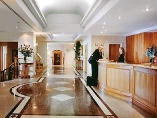 Manchester Renaissance Manchester City Centre Hotel United Kingdom, Europe The 4-star Renaissance Manchester City Centre Hotel offers comfort and convenience whether you're on business or holiday in Manchester. The hotel offers a high standard of service and amenities to suit the individual needs of all travelers. To be found at the hotel are 24-hour room service, facilities for disabled guests, express check-in/check-out, Wi-Fi in public areas, valet parking. Some of the well...