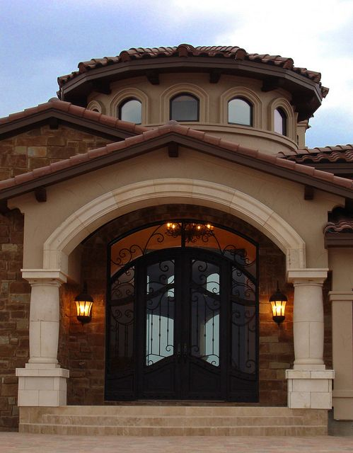 Best 25 mediterranean homes exterior ideas on pinterest for Mediterranean exterior design