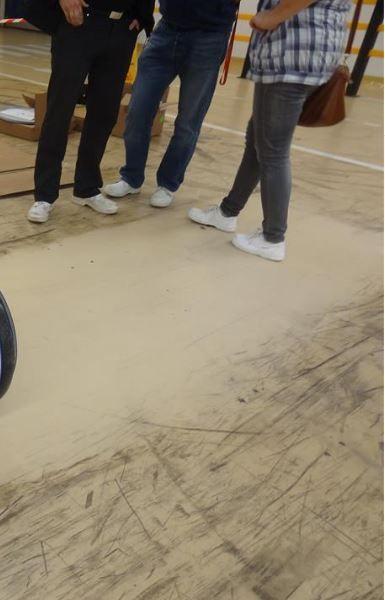 Pokaz EDGE20HD czyszczenie podłogi z żywicy
