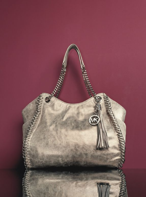 MICHAEL Michael Kors 'Chelsea' Distressed Leather Shoulder Tote #Nordstrom