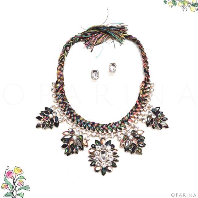 Collar de Pedreria en Oparina. #oparina #statementnecklace #multi #boho #bohochic  #madewithstudio