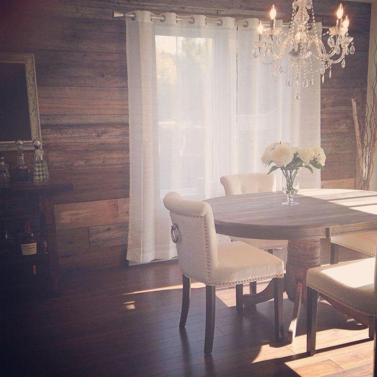 mur de bois de grange dans ma salle manger woodbarn livingroom home decor pinterest. Black Bedroom Furniture Sets. Home Design Ideas