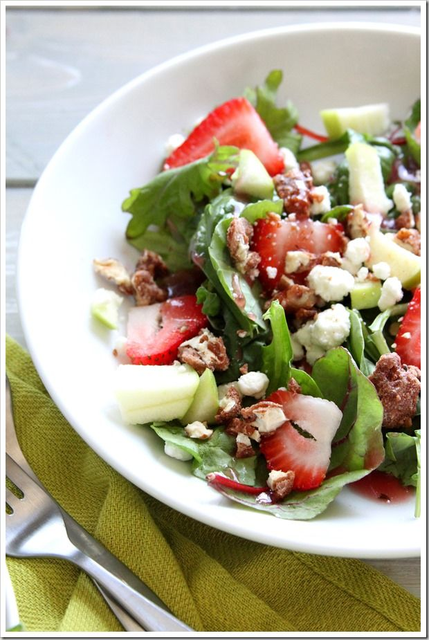 Baby Greens and Strawberry Salad ~ Doughmesstic