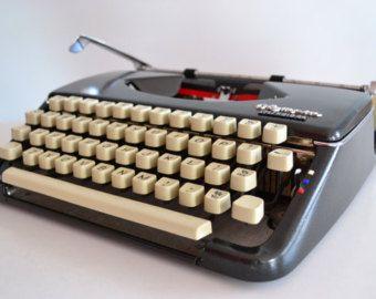 CORSIVA 1968 grigio scuro / nero Olimpia Splendid 66 macchina da scrivere - lavoro - Design - portatile - QWERTY