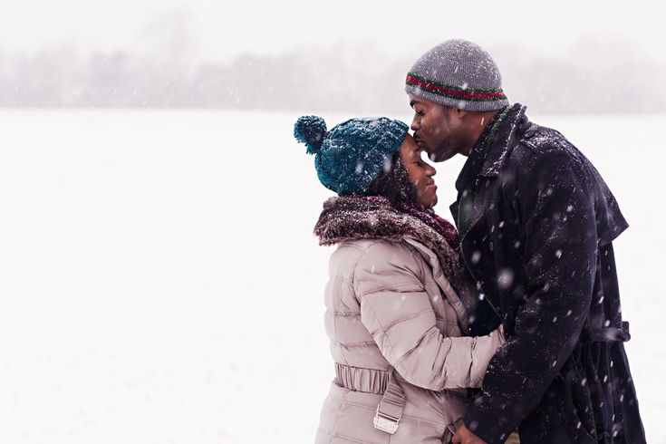 Do you hear that sound? It's the sound of everyone's cold, blizzard-frozen heart melting. | A Couple Had Their Engagement Photos Taken In The Blizzard And They're Incredible