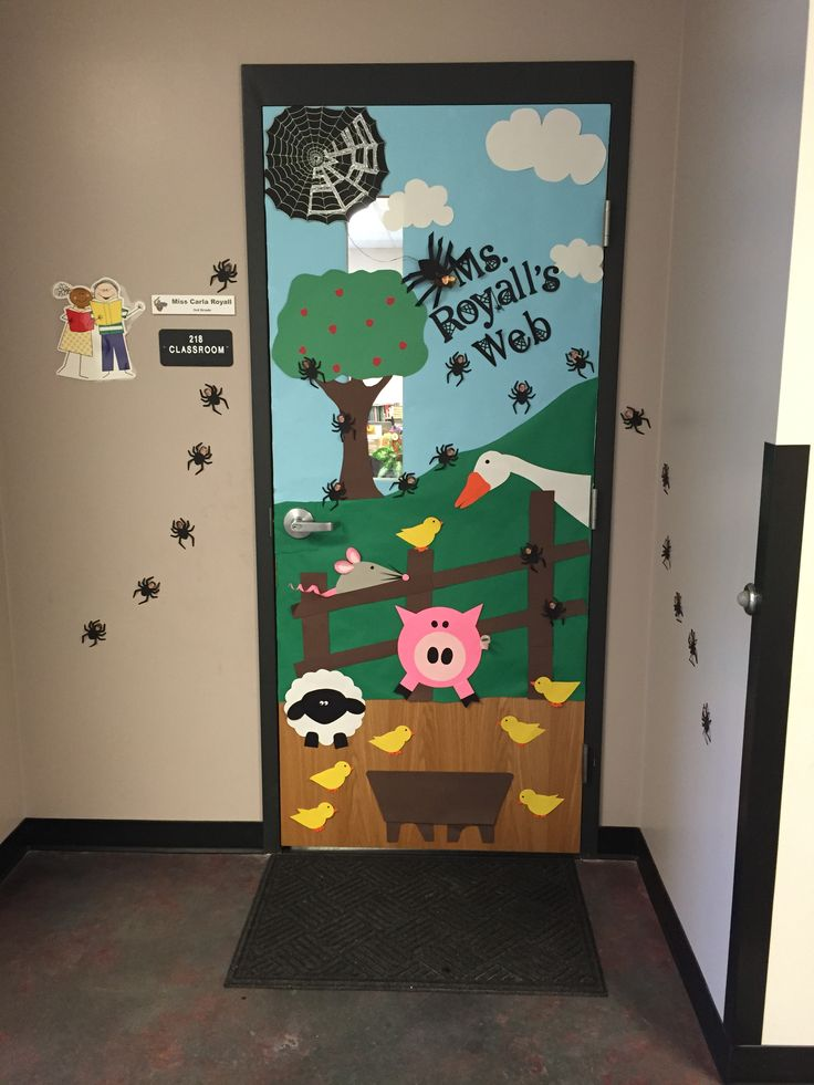 Charlotte 39 s web door kids and teacher are spiders fun for Farm door ideas