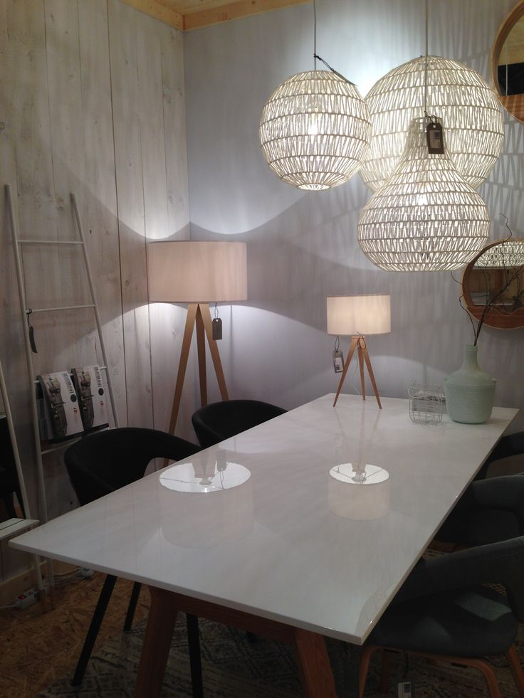 Restyle your home in Nordic style with Zuiver pendant lamps Cable, floor lamp Tripod and table High on Wood