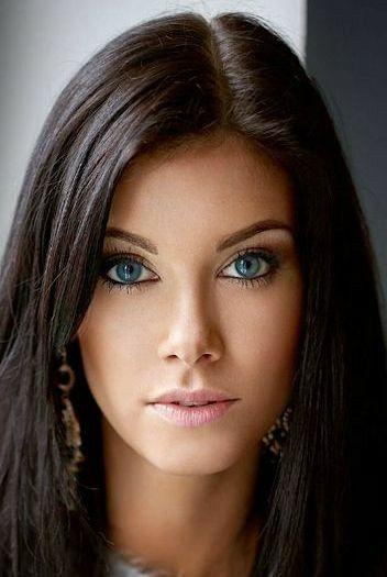 Beautiful Girl With Beautiful Makeup Beauty Gorgeous