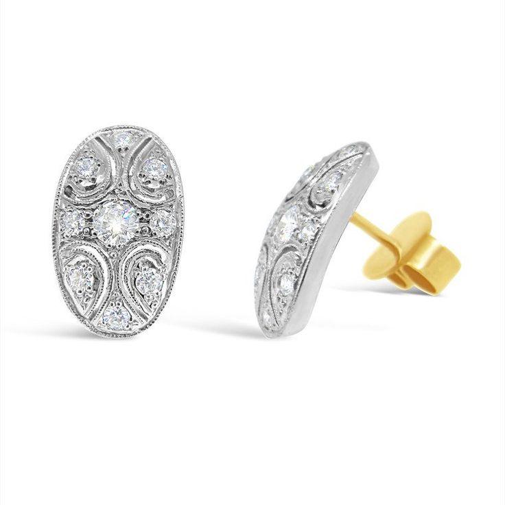 'L'Ovale Petite' diamond stud earrings