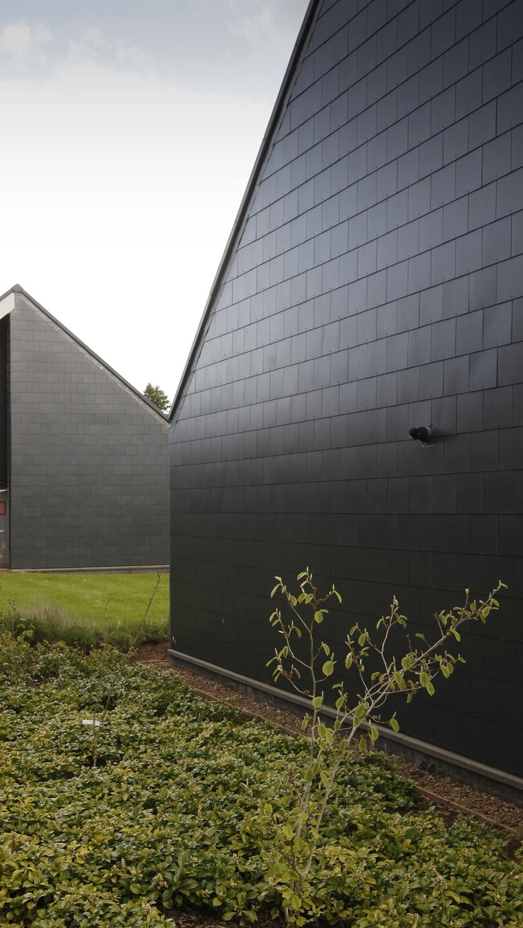 Thrutone slates used vertically, provided by Marley Eternit