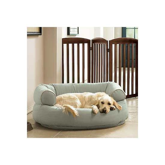 Need to find a soft and durable dog bed that isn't going to stick out like a sore thumb in your gorgeous living space? We have hunted down a list of so-stylish dog beds that will look like they totally belong in your space. S/