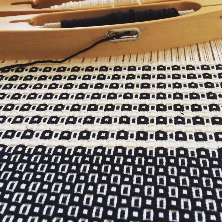 Cotton sample weaving Susanna Riach Instagram: Ceciliasminde