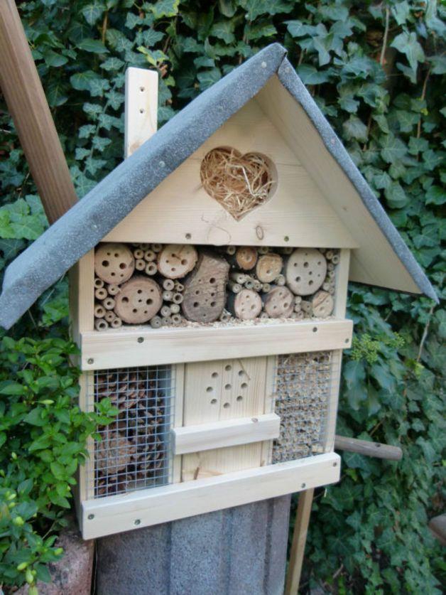 Insektenhotels - großes Insektenhotel, Insektenhaus, Bienenhotel - ein…