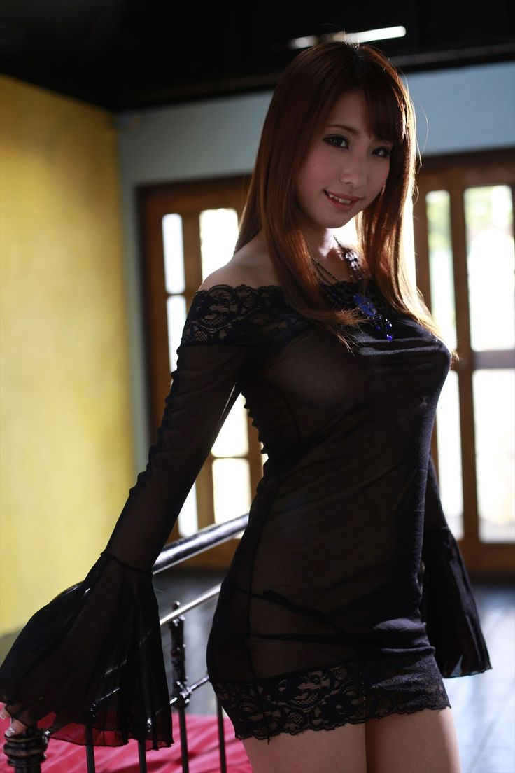 AV女優 あやみ旬果ちゃんのセクシーなボディが最高なキャバドレス風衣装の着衣画像の記事画像4