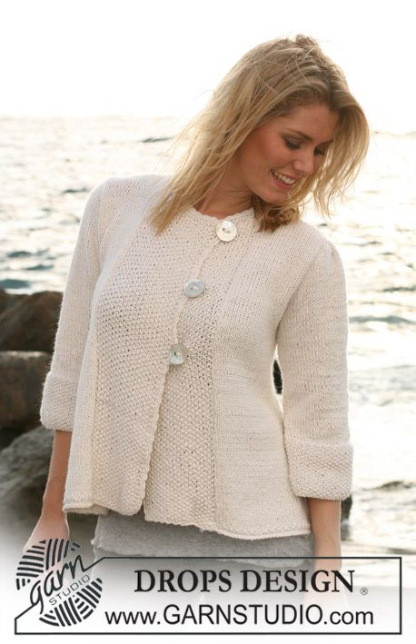 DROPS A-shaped jacket with ¾ sleeves in Silke Alpaca. Size S – XXXL.