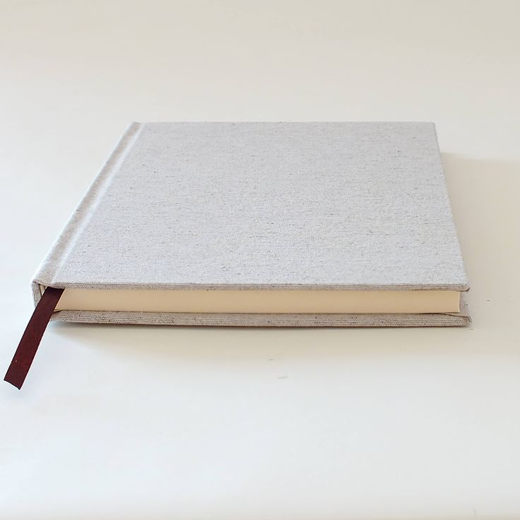 This is a handmade notebook. All pages are individually hand folded,pressed then hand stitched and bound together. The cover also is manualy made - cuted, bonded and lined with fabric.  Ready to ship.   DETAILS: -Dimensions: 150mm * 210mm * 16mm (aprox.) -Paper: 80gsm, ivory colored -80 sheets (160 pages) -blank pages ----  The paper used is certified: - FSC® or PEFC™, which guarantees that wood comes from sustainably managed forests. - EU Ecolabel, the European certification which helps…