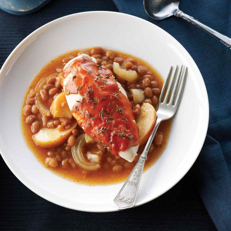 Voici un repas copieux, cuit à la mijoteuse que vous pouvez rapidement faire en utilisant les ingrédients de cuisine ordinaires. Il a du succès auprès des enfants et des adultes.   Le Poulet du Québec
