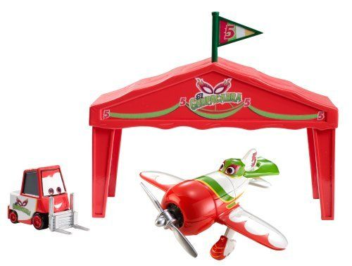 Disney Planes El Chupacabra Giftset (746775226848) Based on characters from the new hit animated Disney film, Planes Kids can prepare their Planes for the next race! Recreate all your favorite moments and scenes from the movie Comes with one exclusive Pitty that is only available in this giftset Includes 1 Planes character die-cast racer, 1 exclusive Pitty and a customer hanger tent
