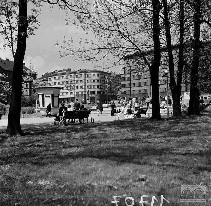 Park Krakowski/Plac Inwalidów lata 50/60. fot. Henryk Hermanowicz  ct.mhk.pl