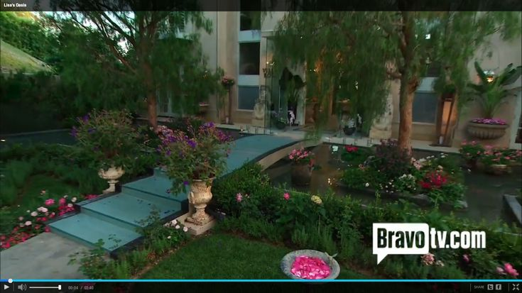 Lisa Vanderpump's Beverly Hills Mansion - Villa Rosa. Such a beautiful ...