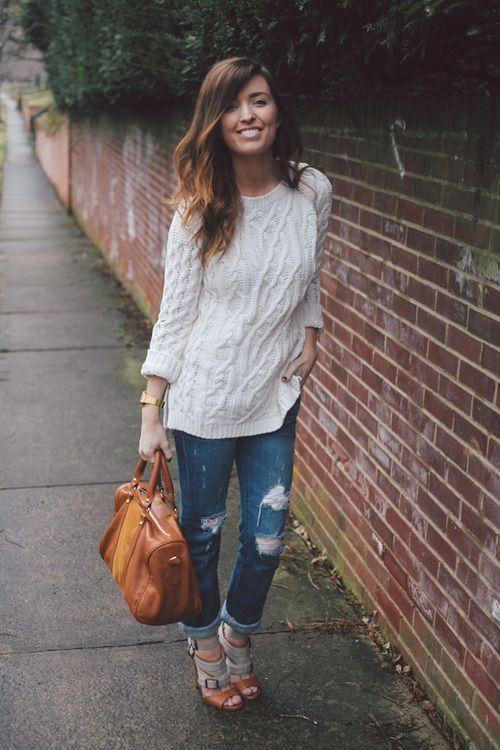 oversized sweater, boyfriend jeans, sandal wedge. #presh