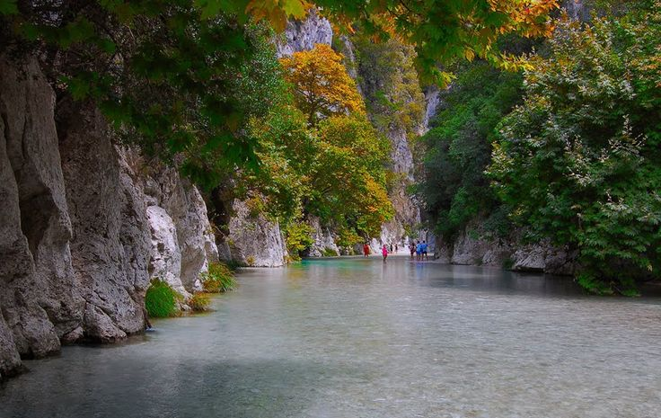 TRAVEL'IN GREECE I Course at the springs of Acheron River, Epirus, Greece